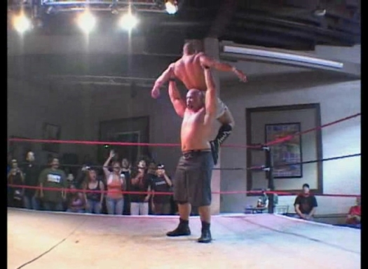 Low Ki.vs.Hernandez.WrestlingObssesed.Wordpress.com.avi_001025357