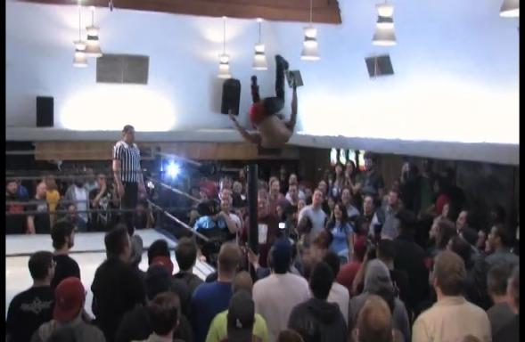 04.InerCity.vs.Fox.DelSol.Wrestling.Obsessed.Word.Press.com.mp4_001186161