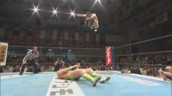 16. Prince Devitt vs. Kenny Omega - NJPW Best Of The Super Junior XX [09.06.2013].mp4_000781881