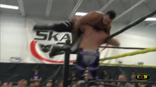 Shane.Hollister.y.Caleb Konley.vs.The.Beaver.Boys.CZW.Septiembre.2013.subido.por.Acid99.mp4_000482157
