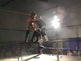 Ryan.vs.BBoy.Cage.Julio.2006.subido.por.AC1D.mp4_001017382