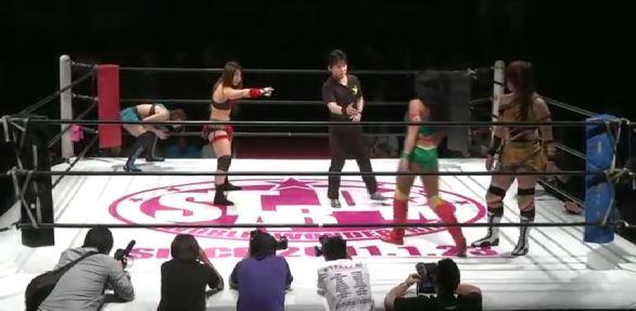 Io & Mayu vs Hiroyo & Santana_subido_por_AC!D.mp4_20151113_133733.635