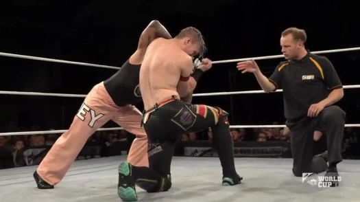 Ospreay v ReyM.mp4_20170925_101309.952